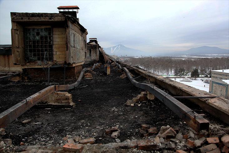 разбитая крыша история